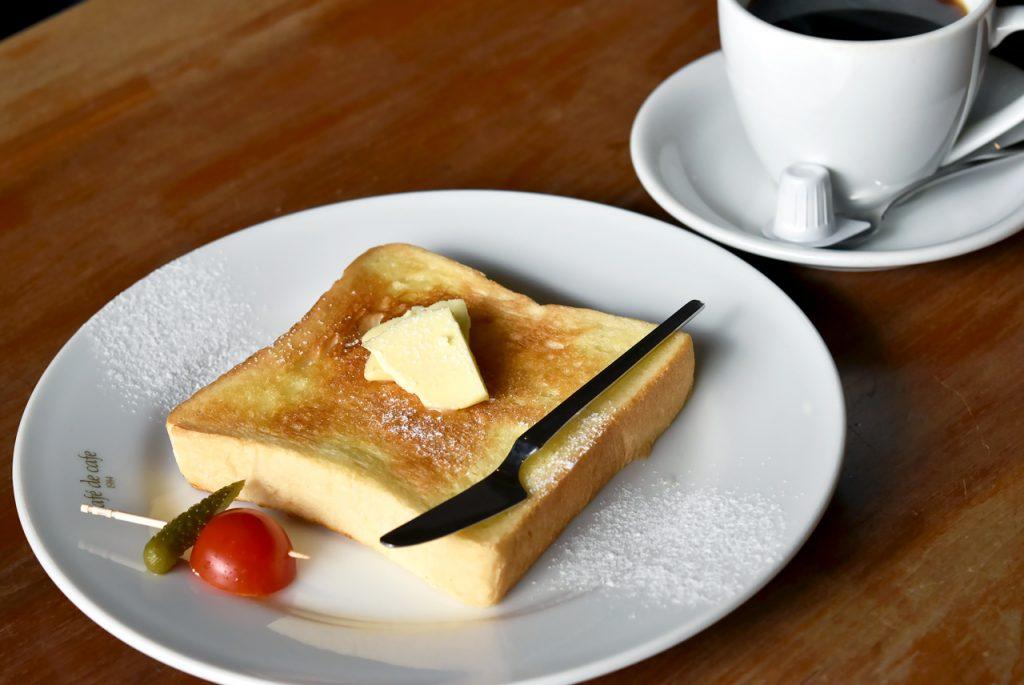 モーニング トースト(バター)とコーヒー