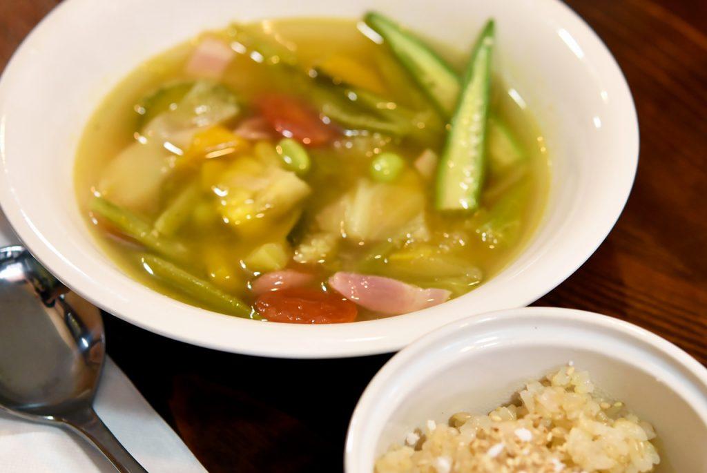 夏野菜とベーコンのスープ